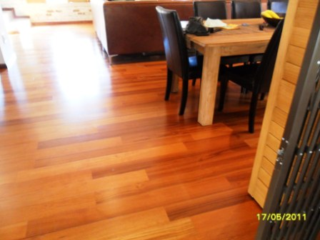 KAHRS_LINNEA_7MM_TEAK_PRETORIA_INSTALLED_VENEER_WOODEN_FLOORS17860.JPG