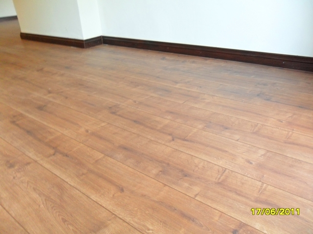 KRONO_ORIGINAL_HAMPTON_LAMINATED_FLOOR_8MM_AC4_INSTALLED_IN_PRETORIA_317860.JPG