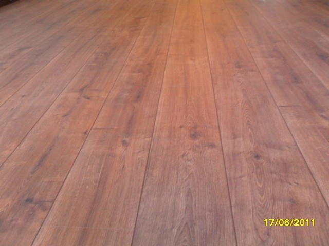 KRONO_ORIGINAL_HAMPTON_OAK_LAMINATED_FLOOR_8MM_AC4_INSTALLED_IN_PRETORIA_217860.JPG