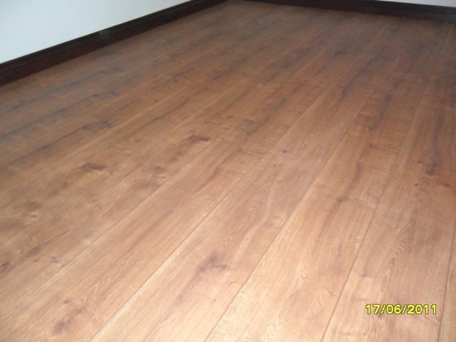 KRONO_ORIGINAL_HAMTON_OAK_LAMINATED_FLOOR_8MM_AC4_INSTALLED_IN_PRETORIA_117860.JPG