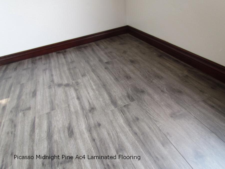 Grey laminate flooring for Gray laminate flooring