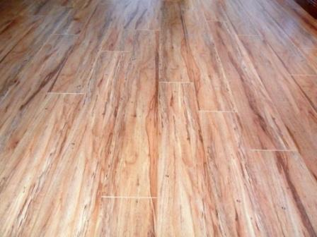 TRAVIATA_KDL_AC4_VGROOVE_TEAK_8MM_LAMINATED_FLOORING_INSTALLED_IN_PRETORIA_GAUTENG_SAM_079817860.JPG