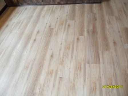 TRAVIATA_KLD_DOVER_GREY_LAMINATED_FLOORS_PREORIA_217860.JPG