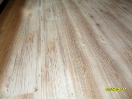 TRAVIATA_KLD_DOVER_GREY_LAMINATED_FLOORS_PREORIA_317860.JPG