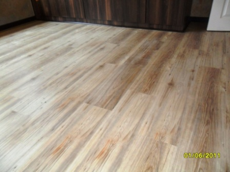TRAVIATA_KLD_DOVER_GREY_LAMINATED_FLOORS_PREORIA_417860.JPG