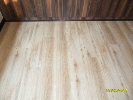 TRAVIATA_KLD_DOVER_GREY_LAMINATED_FLOORS_PREORIA_517860.JPG
