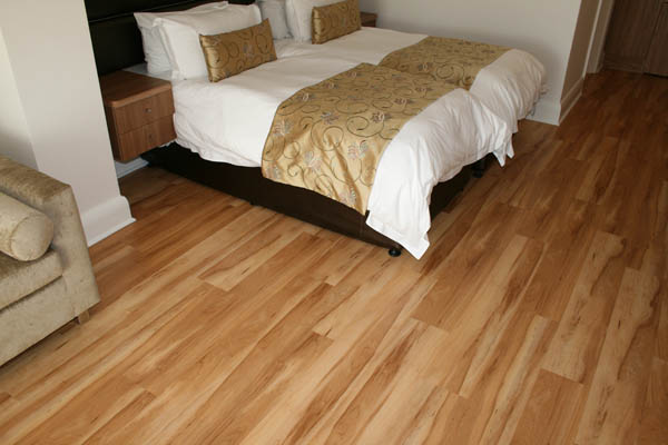 TRAVIATA_TRAVILOC_ALLURE_RUSTIC_MAPLE_VINYL_FLOORING_IN_PRETORIA__GAUTENG_traviloc_rustic_maple_light17860.jpg